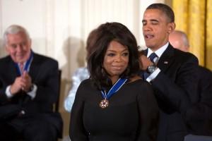 Oprah_Winfrey_receives_2013_Presidential_Medal_of_Freedom