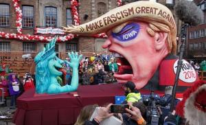 trump Düsseldorf,_Rosenmontag_2016,_politische_Karnevalswagen_(05)