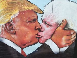 Donald_Trump_and_Boris_Johnson_Street_Art