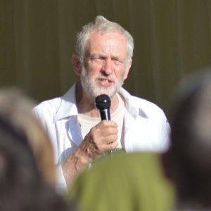 Jeremy_Corbyn,_Tolpuddle_2015