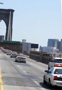 police_chase_on_brooklyn_bridge