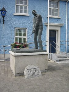 Bill Clinton statue in Ballybunion, Ireland